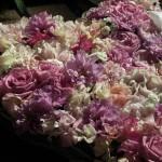 Blomster hjerte i creme og rosa nuancer