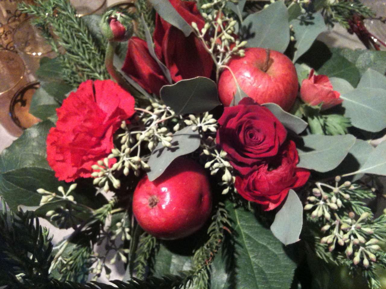 Afskårne Roser står du og mangler en julebuket eller nogle afskårne blomster til